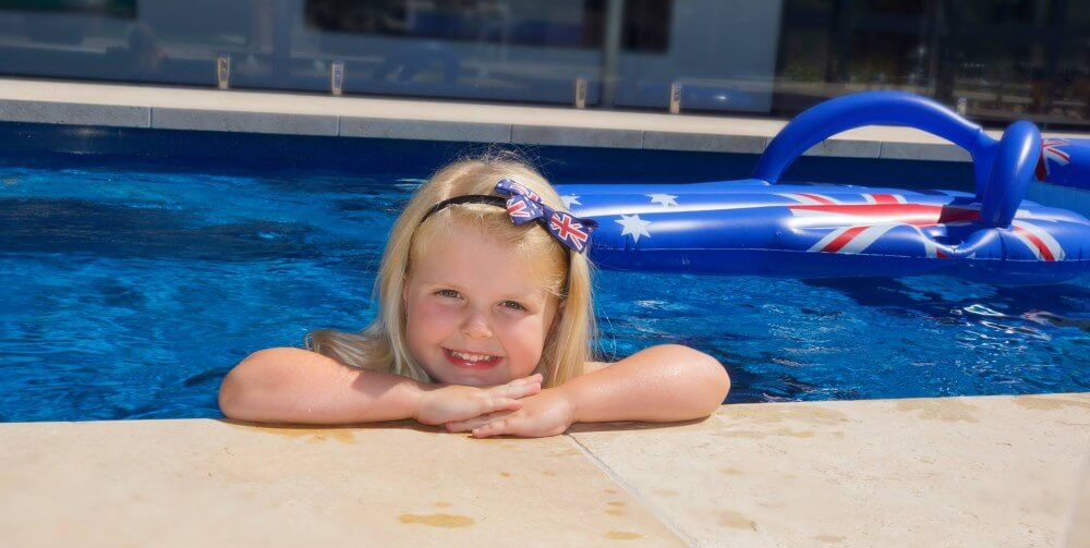 What Affects the Swimming Pool Price
